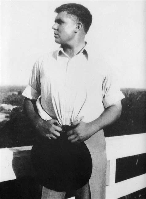 Character of Robert E. Howard - Wikipedia
