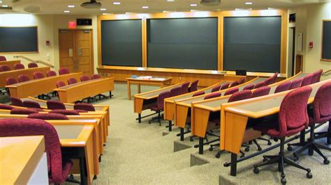 Harvard Business School Mba Class Of 2014 Profile by 5 Reasons You Should Wait To Go To Business School