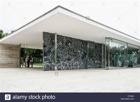 Pavillon Mies Der Rohe by Barcelona Pavilion Architect Ludwig Mies Der Rohe For