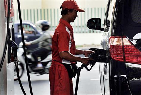 Minyak Pertamax harga bahan bakar minyak nonsubsidi naik kumpulan berita