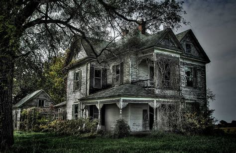 abandoned victorian 20 photos of places in missouri that nature is reclaiming