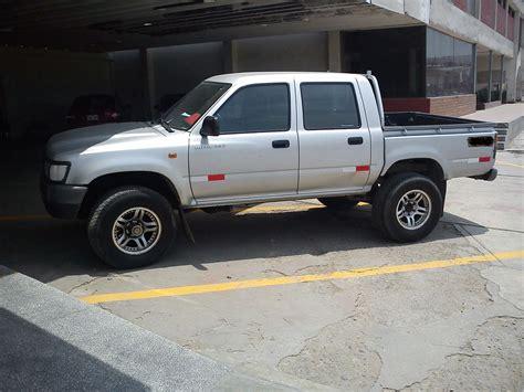 Trocas Toyotas Vendo Camioneta Toyota Hilux 4x2 A 241 O 2003