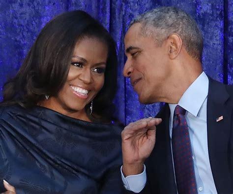 michelle obama netflix barack and michelle obama sign netflix production deal