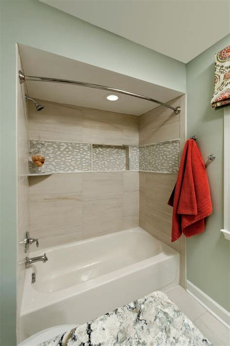bathtub tiles 1000 ideas about bathtub surround on pinterest bathtub
