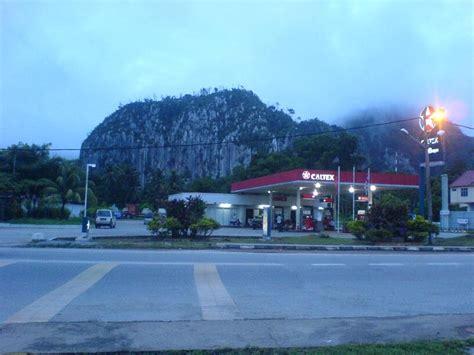 salam  benua antara gua musang  glass mountain