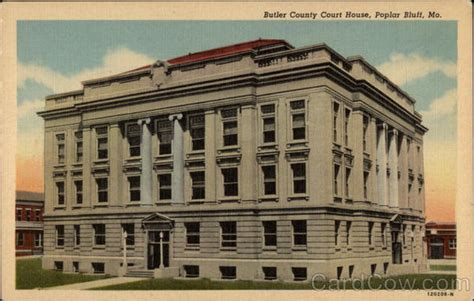 Poplar Bluff Post Office by Butler Coutny Court House Poplar Bluff Mo