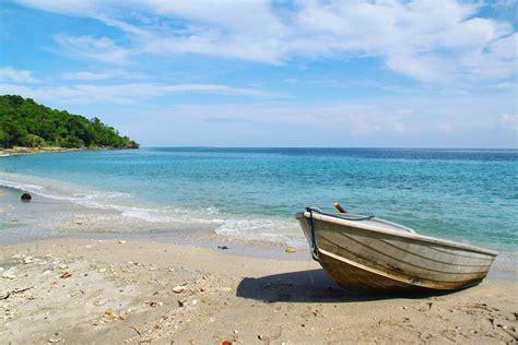 boats to komodo island komodo island boat trip moyo island the traveloguer
