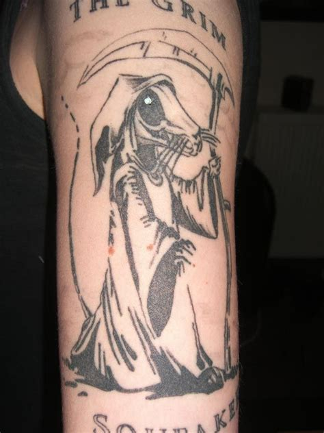 discworld tattoo designs the grim squeaker from discworld looks like my own