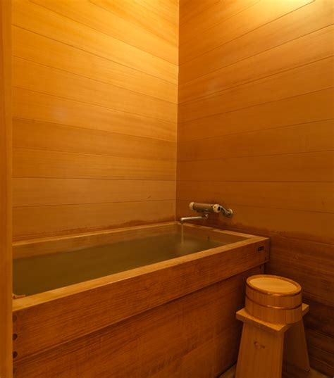 hinoki bathtub traditional hinoki bathroom wasou