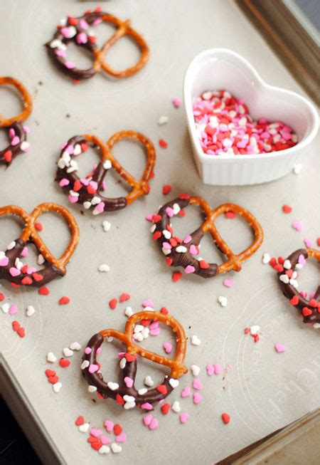 valentines day pretzels leanne bakes chocolate covered pretzels for s day