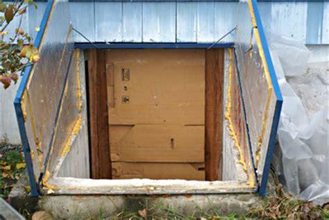 using a bulkhead as a root cellar