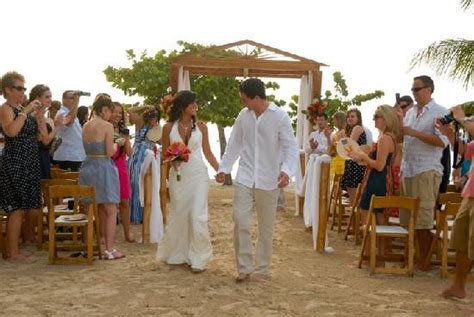 12 Engaged Wedding Honeymoon Ceremony Wedding Ceremony Picture Of Couples Negril Negril