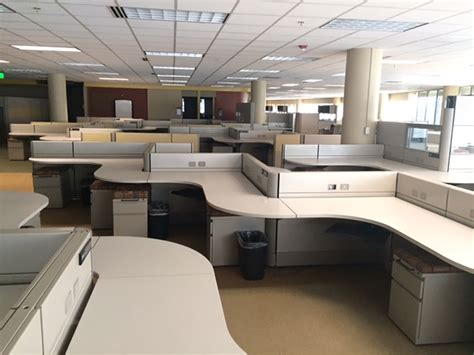pre owned office desks tri star systems are used office furniture experts we buy