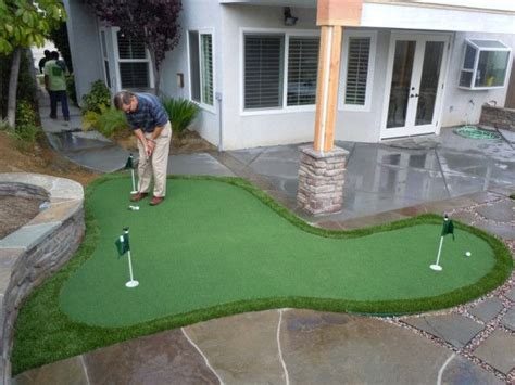 backyard putt putt best 20 backyard putting green ideas on pinterest