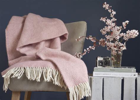 pink throws for sofa pink throws for sofa teachfamilies org