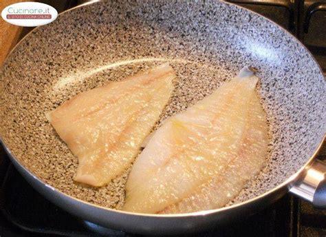 cucinare il rombo in padella filetti di rombo in padella con pesto di rucola alle noci