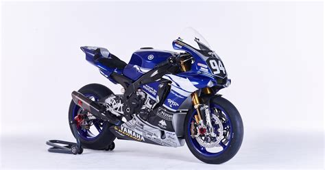 Lu Yamaha R racing caf 232 yamaha yzf r1 team gmt94 2016