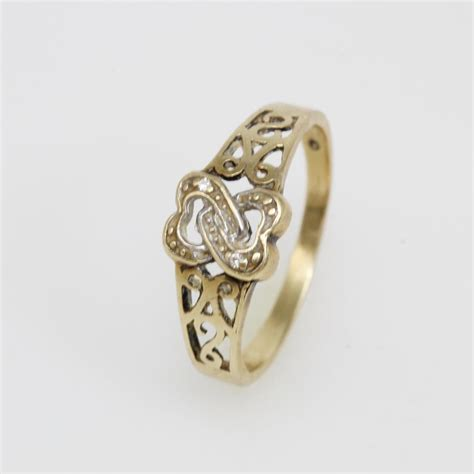 10kt gold 2 0g ring with design property room
