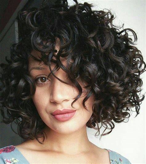 hairstyles for thick kinky hair 627 best wavy curly bob haircuts images on pinterest