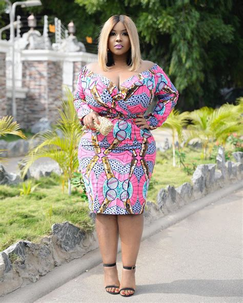 stylish outfit formulas  curvy girl influencer