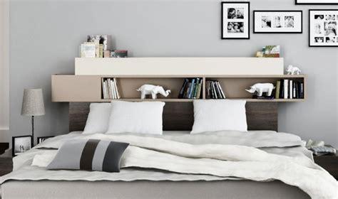 chambre adulte avec rangement tete de lit