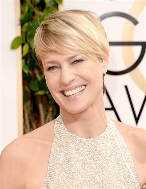robin wright haircut 2014 robin wright s smile brightened the red carpet like a ray