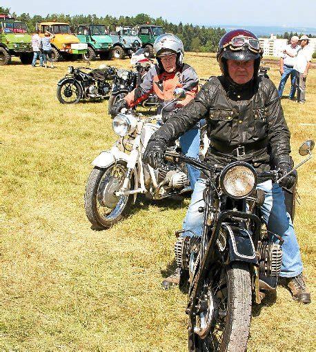 Motorradtreffen Villingen stilecht oldtimer motorradfreunde auf tour auf dem dobel