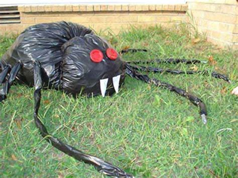 11 easy diy halloween decorations with trash bags 26 diy concepts how to make scary halloween decorations