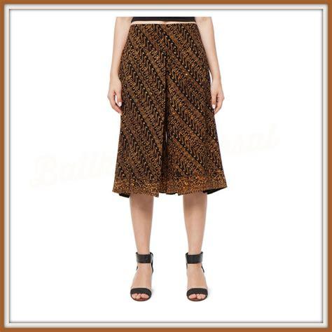 Baju Crop Motif Jual Celana Crop 7 8 Batik Sogan Zaskia Baju Batik Wanita