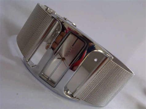 Jam Tangan Pria Wanita Gucci Pasir Embos Gold White jam tangan wanita chopard gambar foto jam tangan