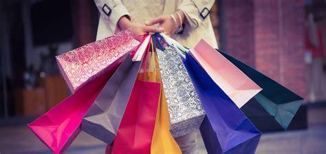 Shopping In shopping garda lake