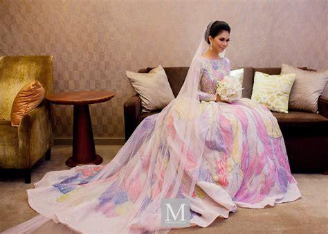 Gaun Pengantin Gliter wedding dress resepsi anzalna nasir memukau inspirasi