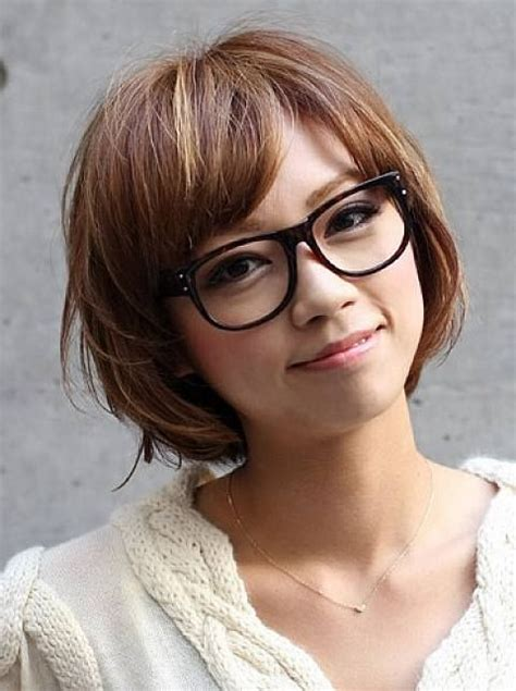 hairstyles for women with large heads glasses short hairstyles for women with round faces and glasses