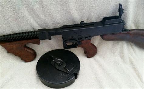 Gunkeyword 1920s Tommy Gun Replica.