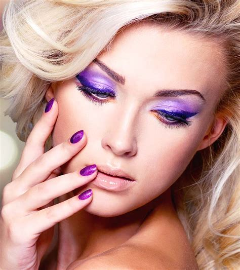 2 Simple Purple Eye Makeup Ideas - Tutorials With Pictures.