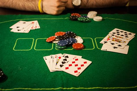 [click]4 Ways To Deal Poker - Wikihow.