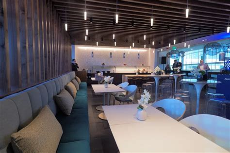 Credit Card Access Airline Lounges 6 Credit Cards That Give Free Access To Airport Lounges