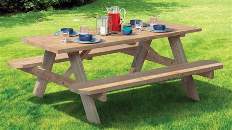 6 Foot Wooden Picnic Tables