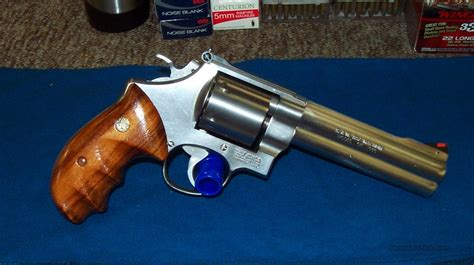 Smith-And-Wesson 627-0 Smith And Wesson.