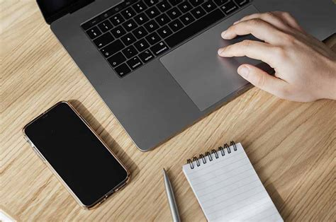 8 Irresistible Dating Profile Examples For Men - Vida Select.