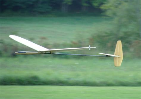 [pdf] A Flight Test Evaluation Of The Discus Sailplane.