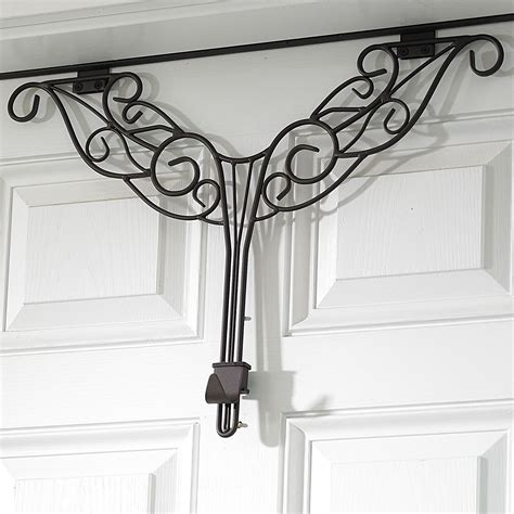 Adjustable Wreath Hanger.