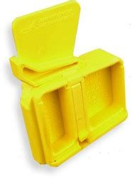 Arredondo Ar-15 Mag Well Safety Plug Yellow - Dawson .