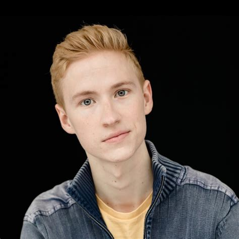 Browning - Youtube.