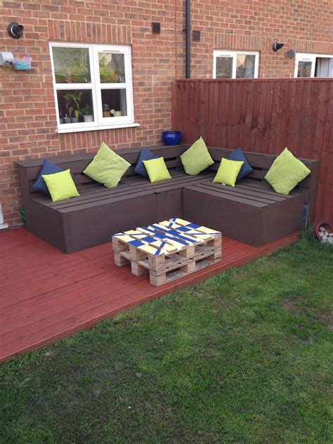Build Furniture Out Of Pallets