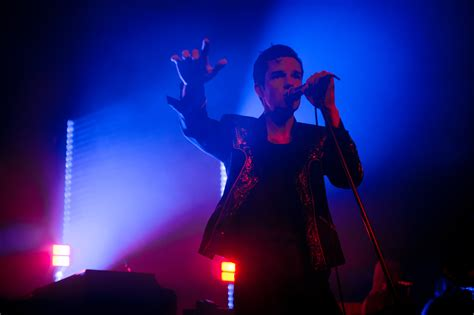 Concert Review: The Killers Dazzle Intimate Brooklyn Venue – Variety.