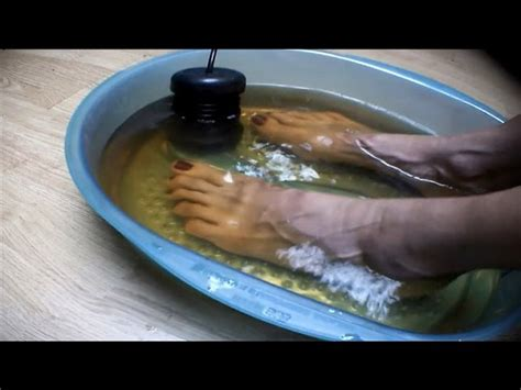 [click]could Detox Foot Baths Actually Remove Toxins From Your Body .