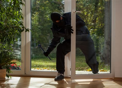 [click]dealing With Home Intruders At The Door.