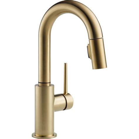 Delta Trinsic Single-Handle Pull-Down Sprayer Bar Faucet .