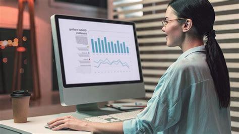 Analyst desk help job